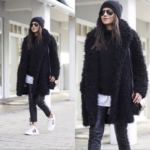 9b5a6810ef5 H M Jackets   Blazers - H M BLOGGER Black Faux Fur Shag Teddy Coat Jacket